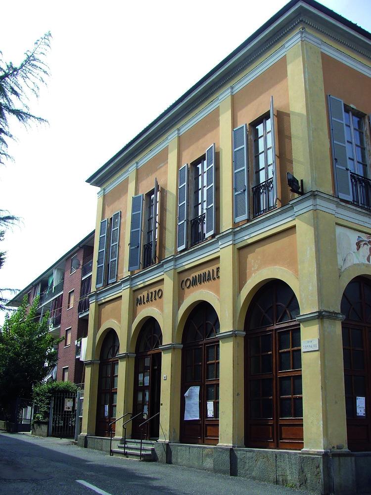 CAMBIANO – Box comunale in locazione