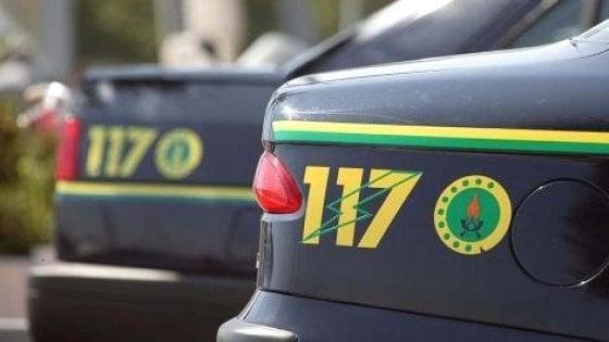 La Guardia di Finanza arresta due nigeriani per possesso di droga