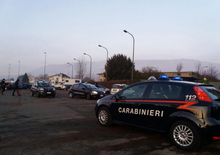 Tentava di spendere denaro falso: denunciato 40enne a Moncalieri