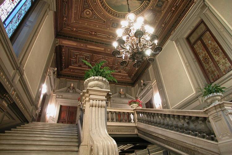 Palazzo Cisterna si svela