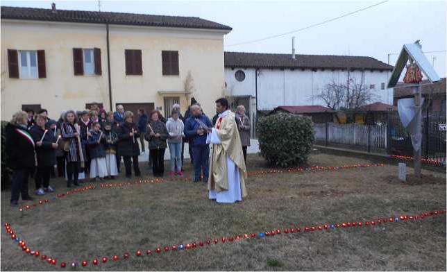 Isolabella, Sindaco e popolazione in piazza per Gesù Bambino