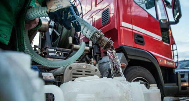 Cambiano: acqua potabile vietata. Attivati punti di distribuzione con autocisterne
