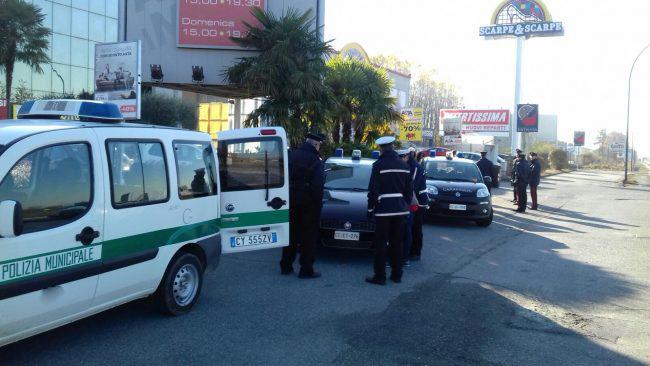 Chieri: controllo congiunto del territorio di vigili e carabinieri porta denunce e verbali