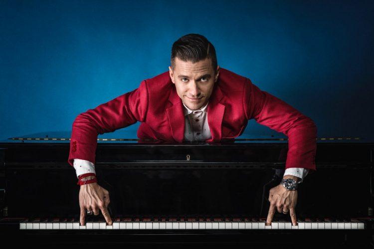 NICHELINO – Al Superga Mattew Lee in Pianoman tour