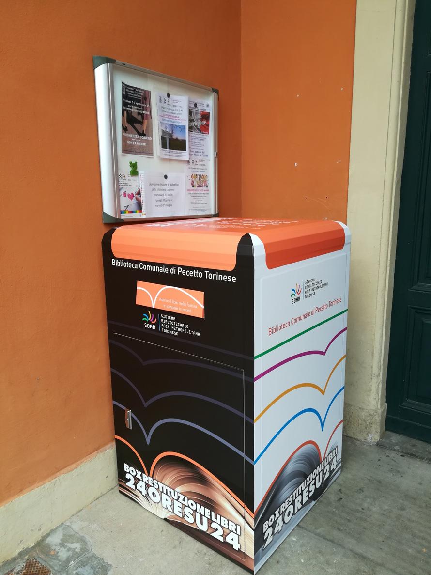 Pecetto: è arrivato il box per la restituzione dei libri di fronte alla biblioteca