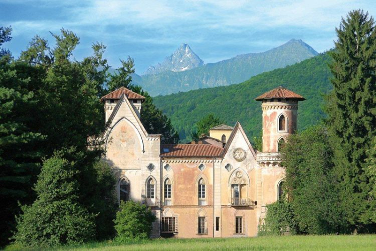 Al castello di Miradolo la retrospettiva del maestro fotografo Augusto Cantamessa