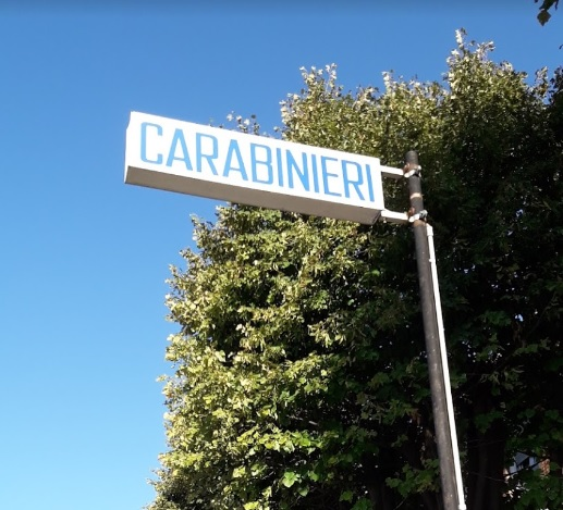 MONCALIERI – Scarcerato dopo l'arresto, cerca riparo per la notte in caserma dei carabinieri