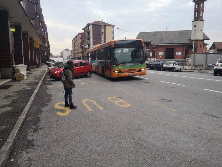 MONCALIERI – Litiga con l'autista dell'autobus perché frena tardi: denunciato