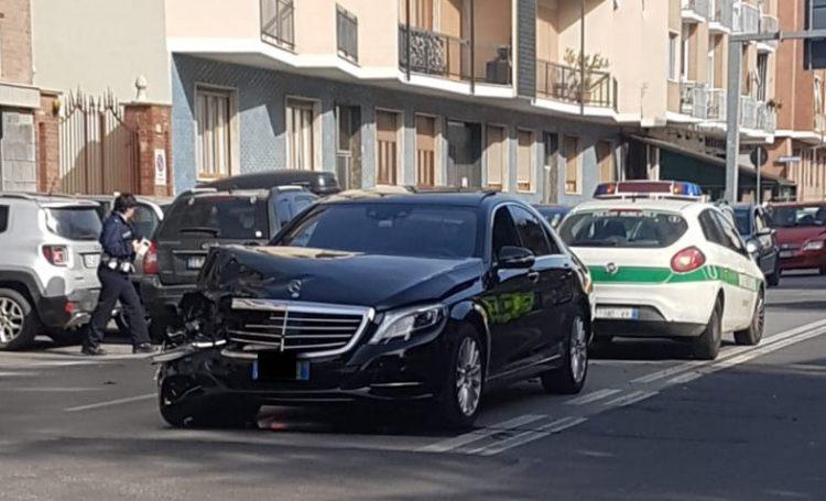 MONCALIERI – Incidente su via Cavour: traffico congestionato