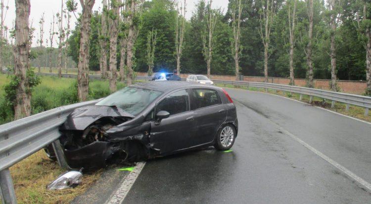 NICHELINO – Raffica di incidenti per la pioggia e l'alta velocità