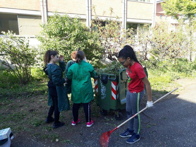 NICHELINO – I ragazzi della Pellico riprogettano il cortile della scuola