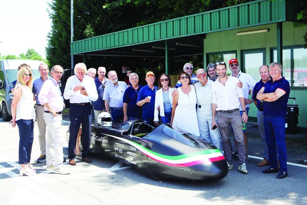 Primi test in pista per il prototipo a propulsione elettrica Blitzz Primatis del moncalierese Aghem prima di tentare il record dell'ora sul circuito di Nardò