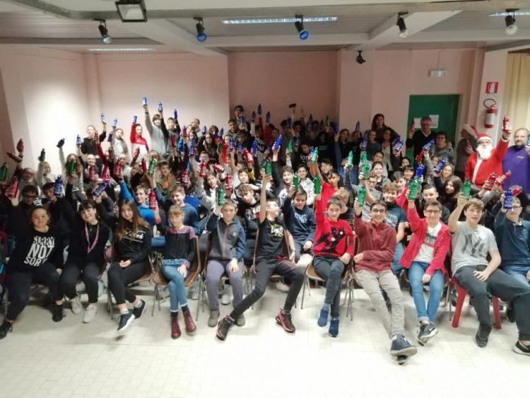SANTENA – Borracce metalliche per eliminare la plastica nelle scuole