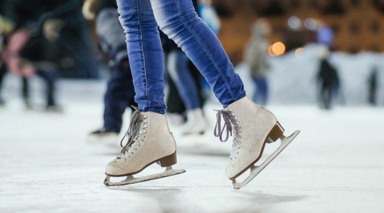 CARMAGNOLA – Torna la pista di pattinaggio in piazza Sant'Agostino
