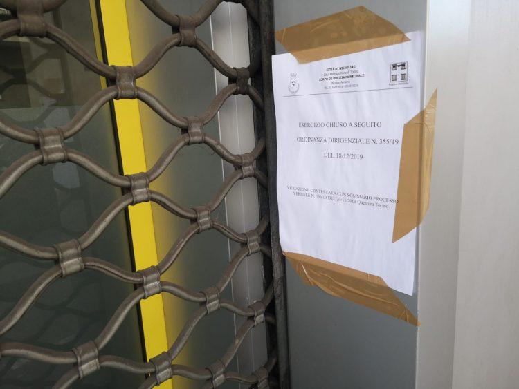 NICHELINO – Bar chiuso dai vigili per irregolarità