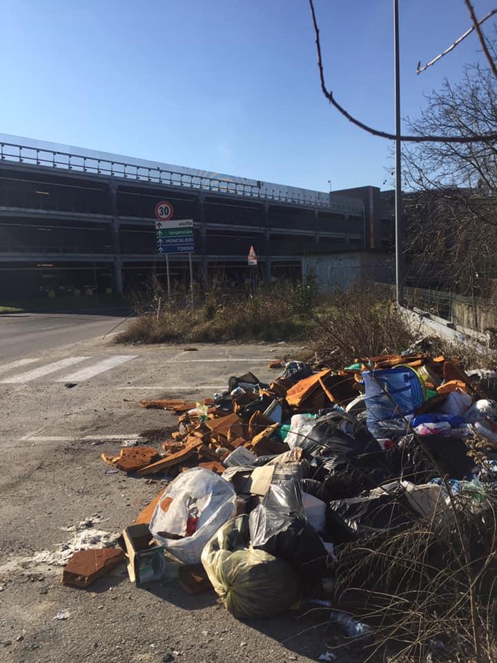 MONCALIERI – Continua il fenomeno indiscriminato dell'abbandono rifiuti