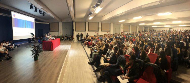 MONCALIERI – Spettacolo teatrale all'auditorium del Majorana