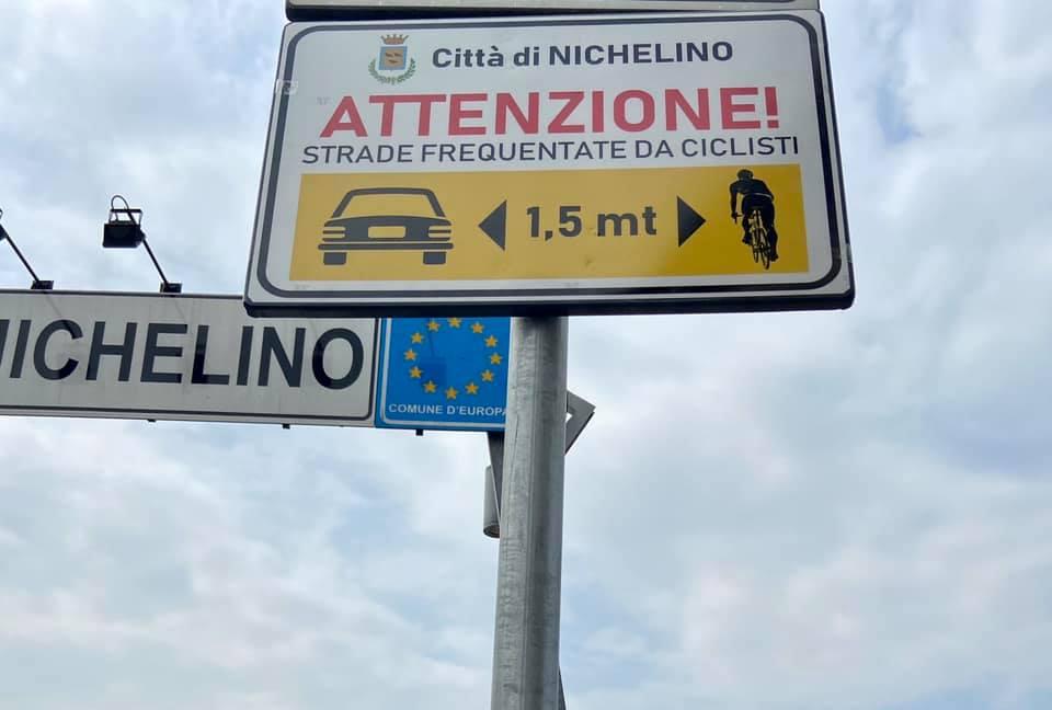 NICHELINO – Cartelli stradali per la sicurezza delle biciclette