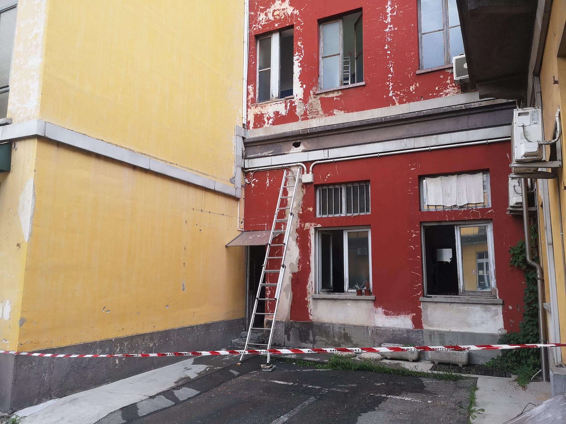 NICHELINO – Transennata un'ala del municipio per la rottura di un tubo