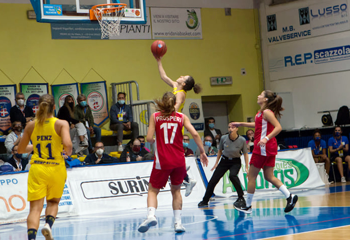 Coppa Italia di serie A2, il basket torna in campo a Moncalieri ed è subito emozione