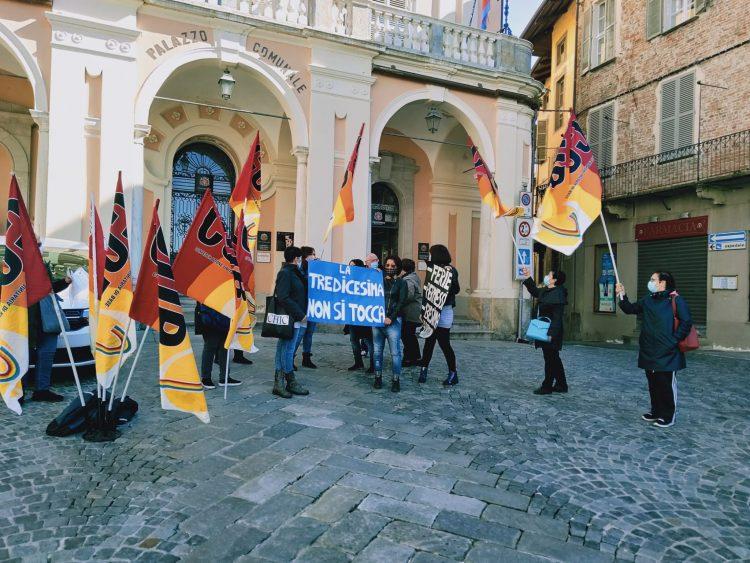 MONCALIERI – Manifestazione sotto il Comune: il sindaco incontra i lavoratori