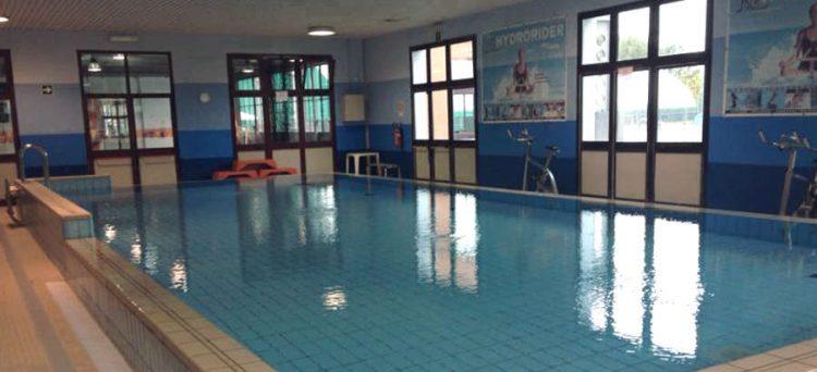 CARMAGNOLA – La giunta pianifica ingressi gratuiti in piscina per i residenti tre giorni a settimana