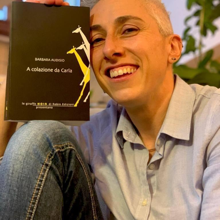 """POIRINO – Barbara Audisio, la """"neofita"""" del parapendio che realizza oltre 150 voli in due anni"""