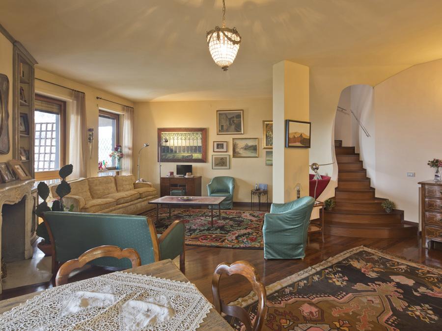 Vendesi appartamento in strada Castelvecchio