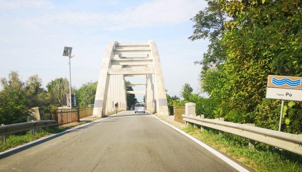 CARIGNANO – Test di sicurezza sul ponte del Po