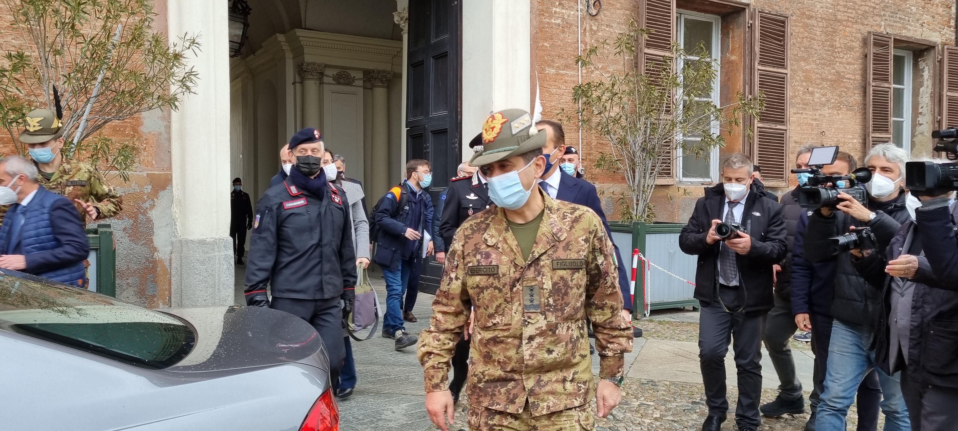 Il generale Figliuolo a Moncalieri: l'Italia è unita nella lotta al Covid
