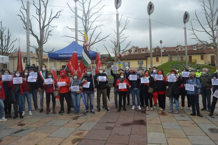 NICHELINO – Primo Maggio con il flash mob in piazza