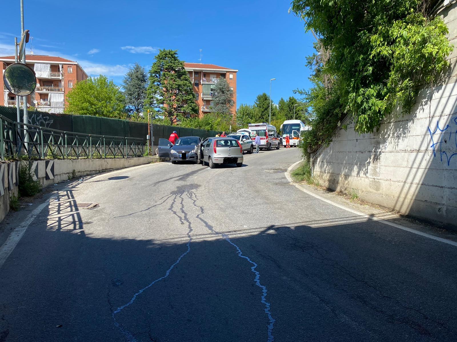 MONCALIERI – Incidente in strada Vivero: due feriti