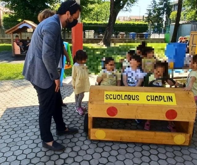 MONCALIERI – Le sezioni vanno in giardino nella scuola Chaplin