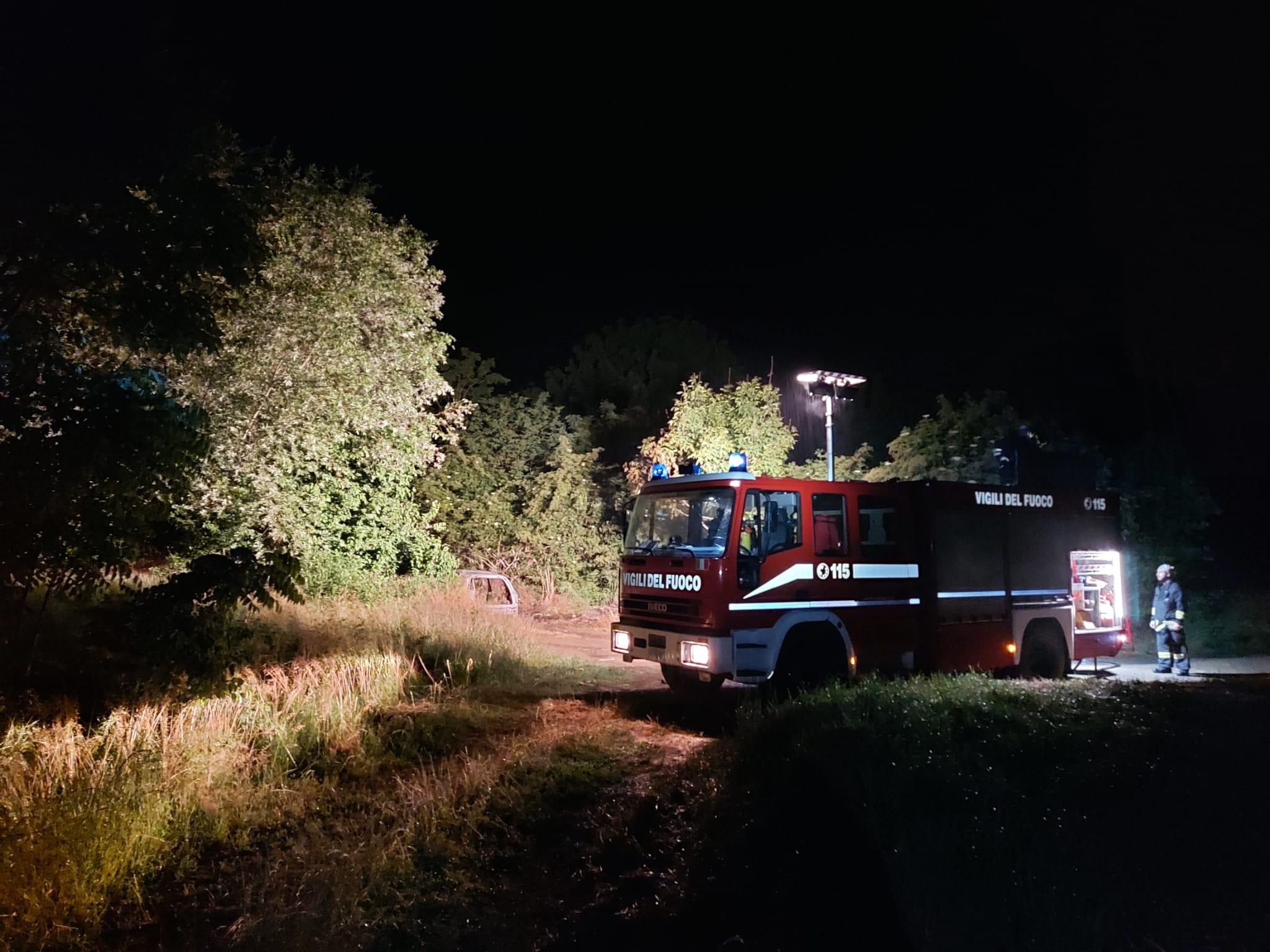 CARIGNANO – Incendio distrugge auto rubata