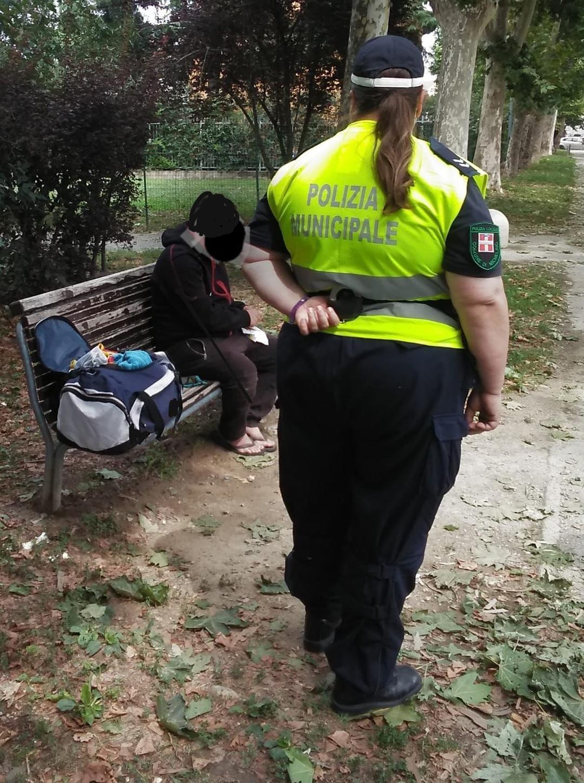 NICHELINO – Colto da una malore finisce riverso su una panchina: soccorso dai vigili