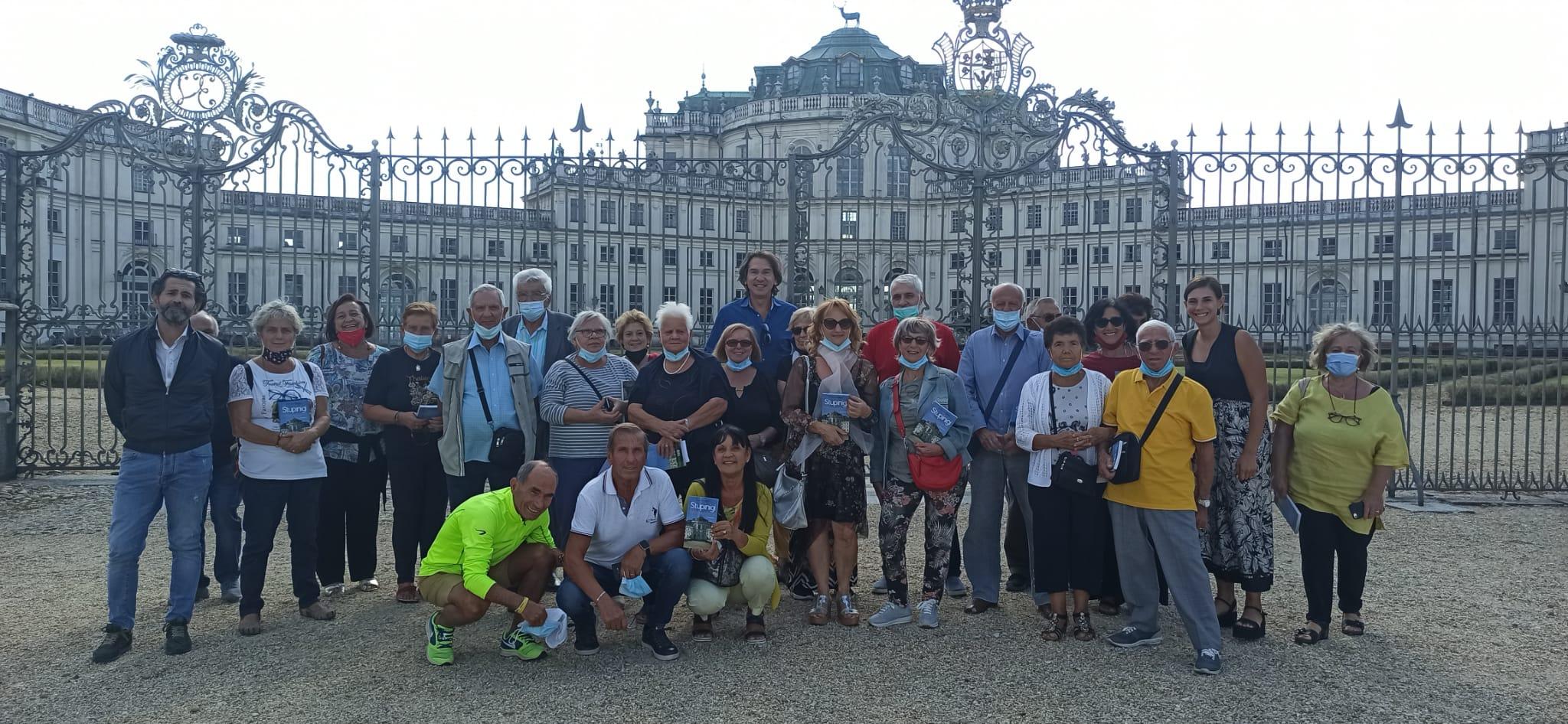 NICHELINO – Gli anziani in visita alla Palazzina di Caccia di Stupinigi