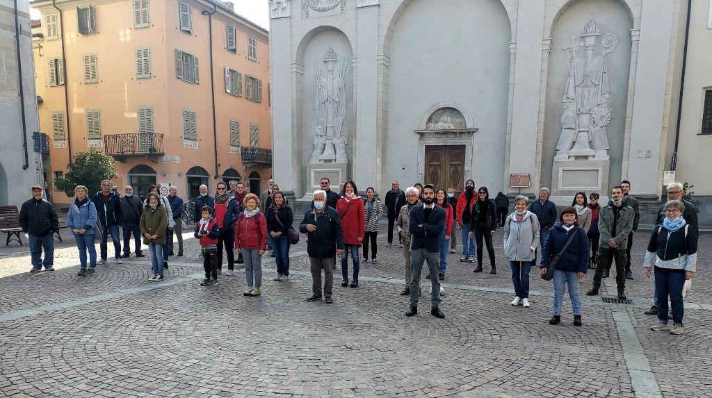 CARMAGNOLA – Sit in contro i fatti violenti di Roma