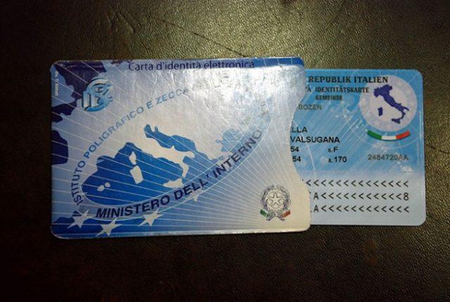 Anche a Moncalieri arriva la carta d'identità elettronica