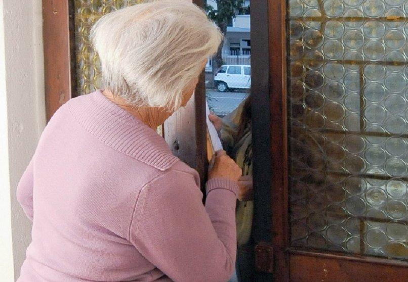 LA LOGGIA – Sedicente impiegata delle poste raggira una badante fuggendo con mille euro in contanti