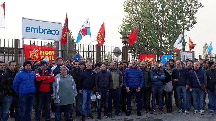 EMBRACO – Boccata di ossigeno per i dipendenti: stop alla chiusura fino a fine 2018