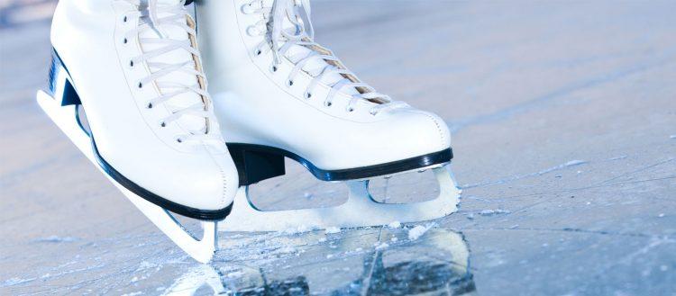 A Vinovo si apre la pista di pattinaggio su ghiaccio