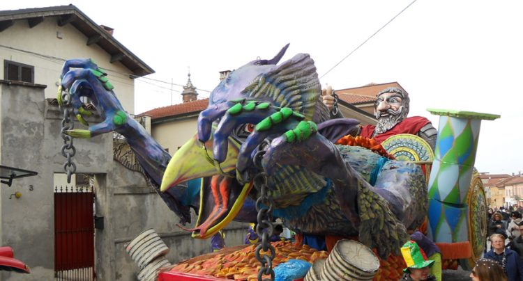 Cambiano: il carnevale ci riprova domenica