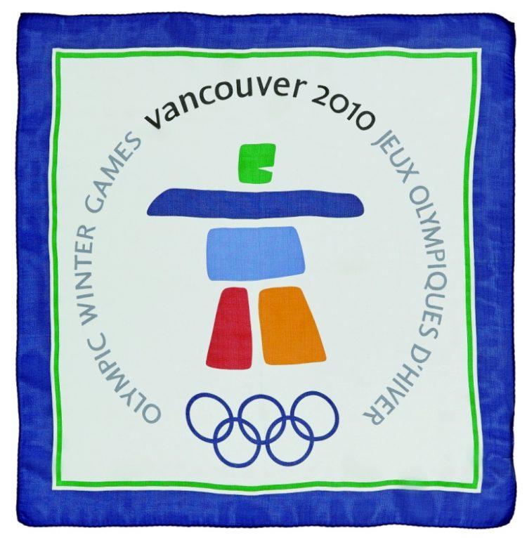 Una mostra sui foulard Olimpici