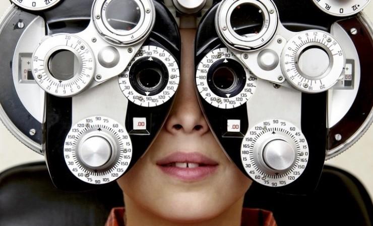 Ottici che facevano gli oculisti: 10 indagati per professione abusiva