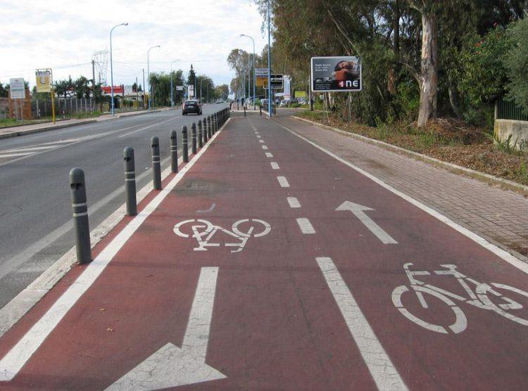CAMBIANO – Si completa la nuova pista ciclabile