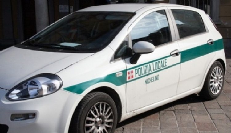 NICHELINO – Carrozzeria abusiva sequestrata dalla polizia municipale