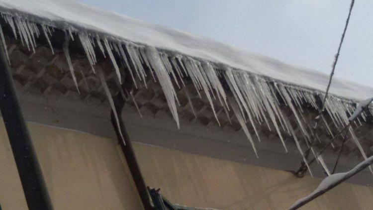 Controlli su tutto il percorso della tangenziale per i blocchi di ghiaccio sui cavalcavia