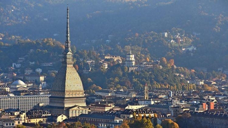 Centro storico di Torino chiuso al traffico domenica 25