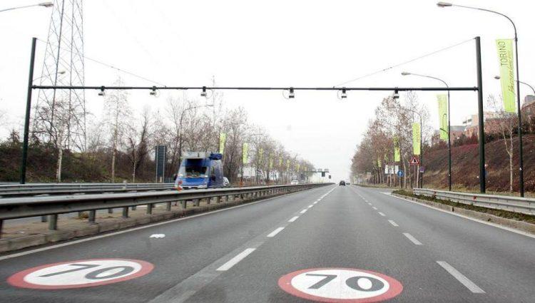 In corso Regina, a Torino, si riaccende l'autovelox dopo due anni