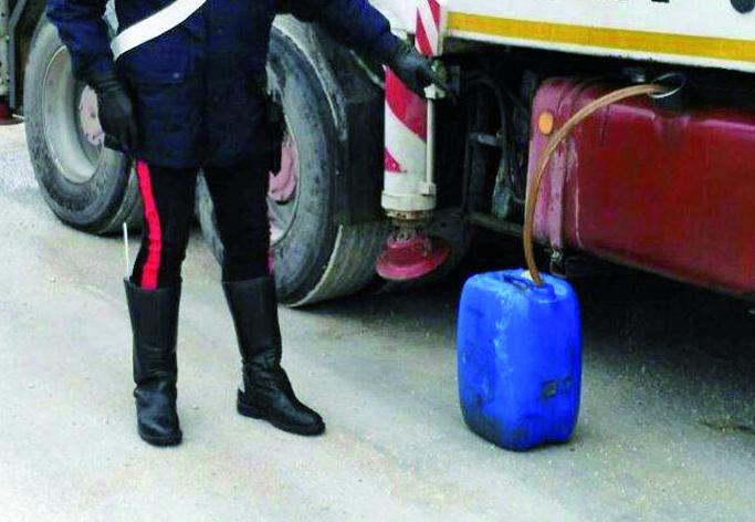 Villastellone, rubava carburante: arrestato